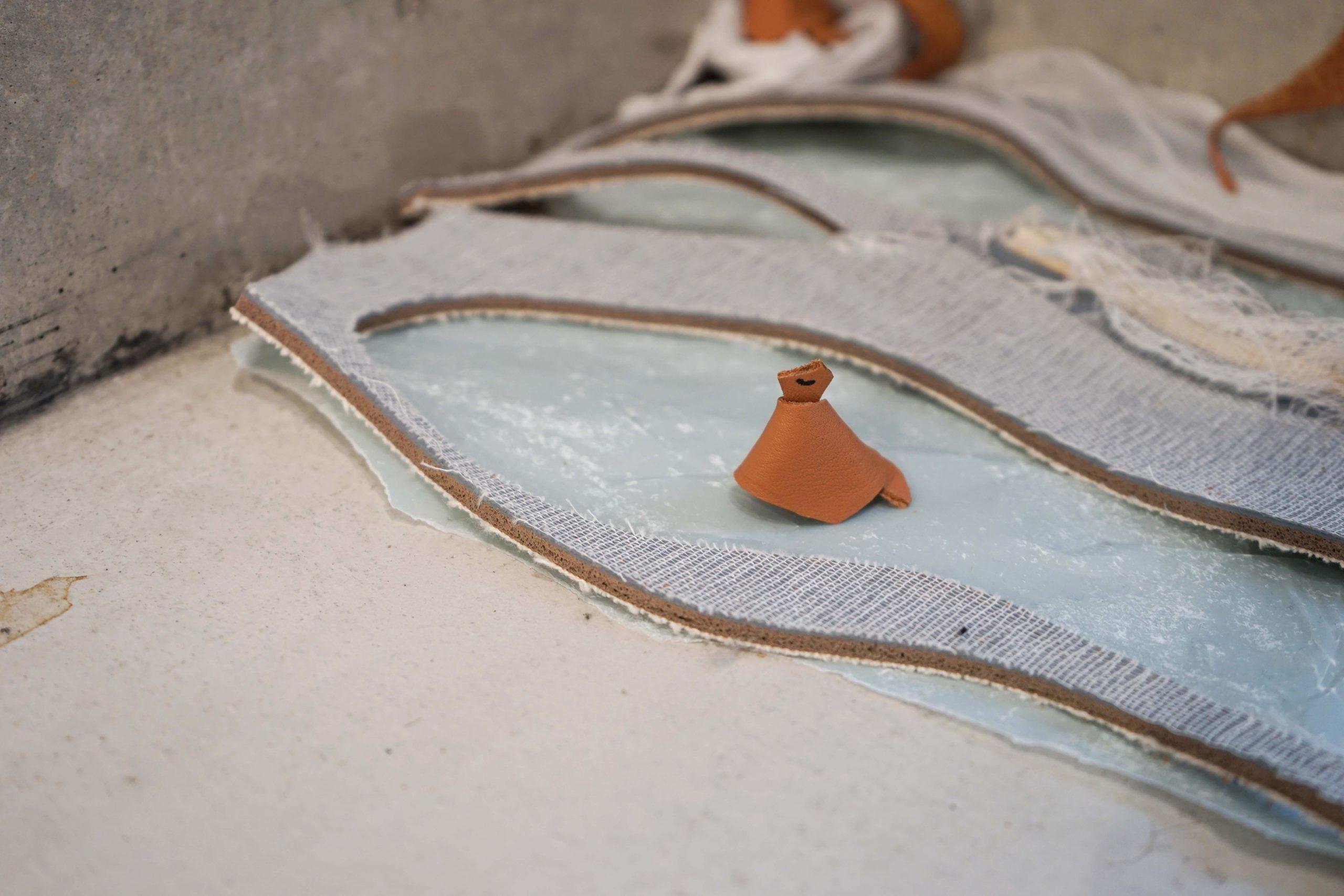 革の端材でつくられた「かわいい鳥」